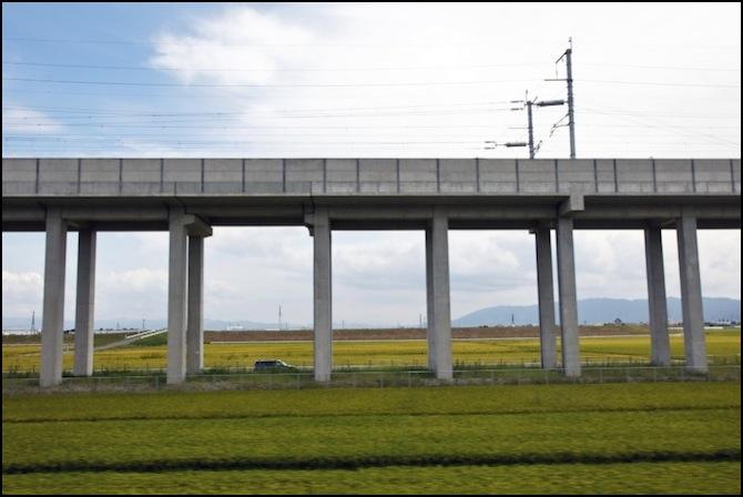 N Scale KATO 23-069 Single Track Bridge Pier #5 50mm w// Trapezoid Shape 5 pieces
