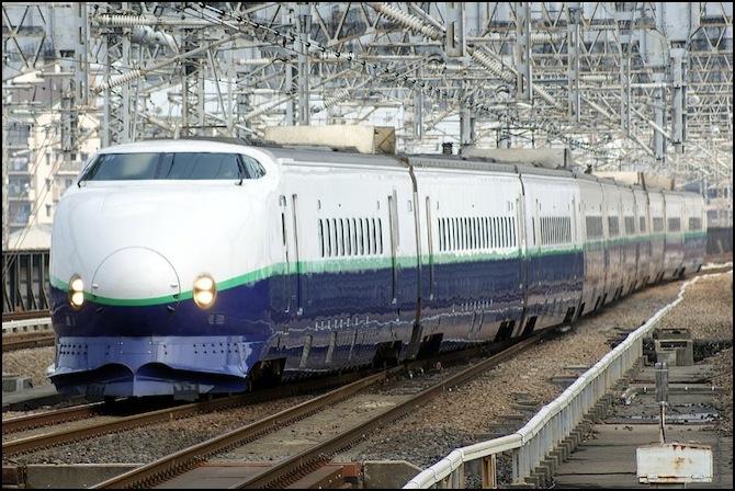jr_east_shinkansen_200-renewal.jpg